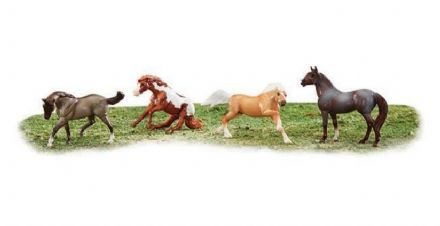 Breyer Stablemates Wild at Heart  Set